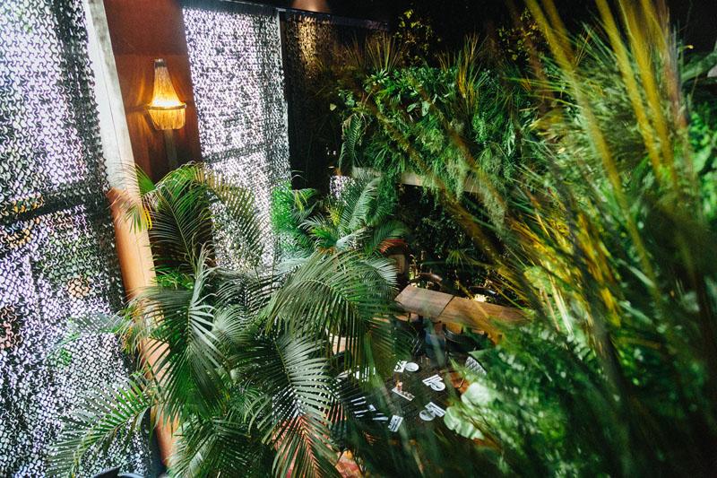 LiliGarden-KubeHotel-plante-stabilisée-mur-vegetal-vintage